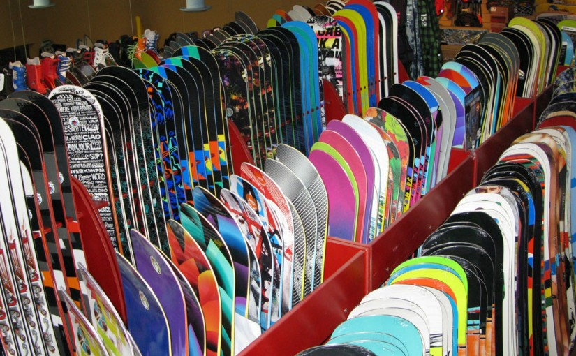 Cum îți alegi placa de snowboard