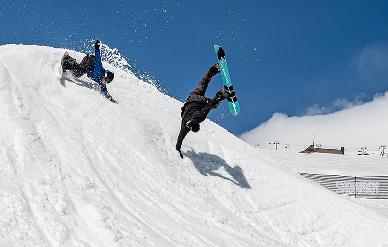 Ghidul începătorului: Cum îți alegi echipamentul de snowboard
